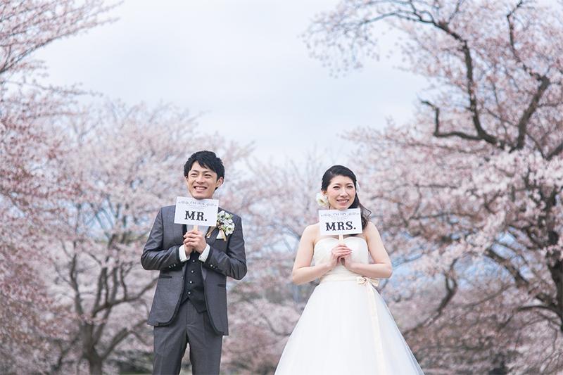 和装も洋装もOK! 桜×ウェディングフォトは相性ピッタリ!