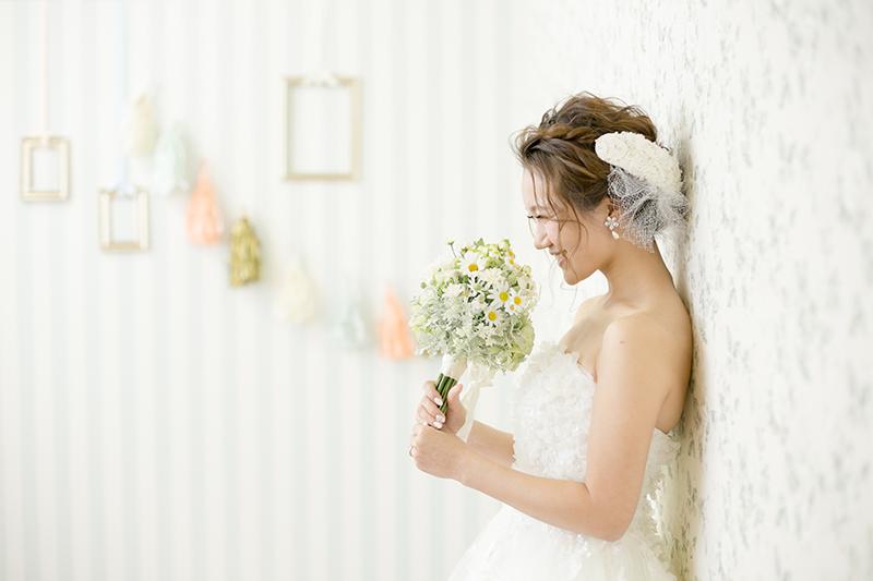 花嫁の私が主役なの。撮影スタジオで撮るソロショットアイデア
