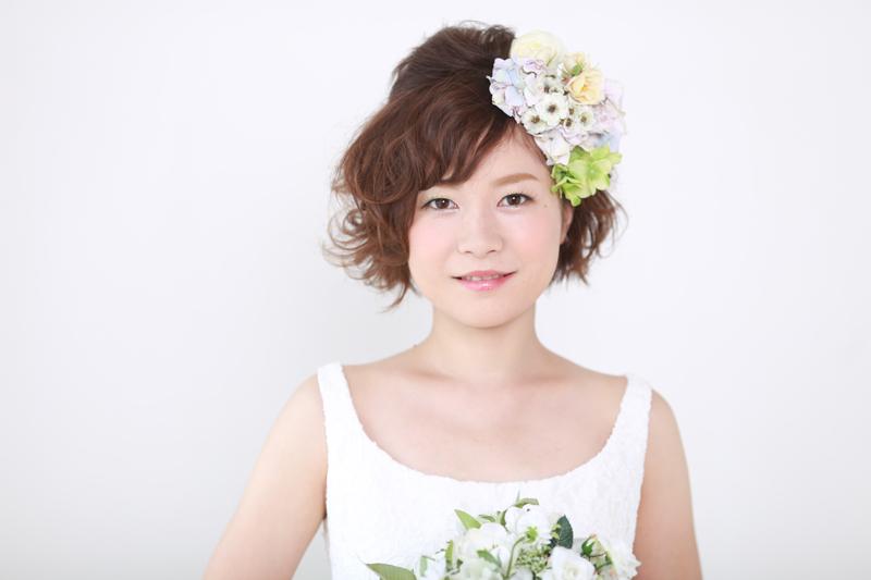 花嫁さんのヘアアレンジは、やっぱり生花が素敵! おすすめの花6つ