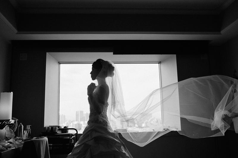 上品に着こなす! 30代の大人花嫁に似合うウェディングドレスの選び方