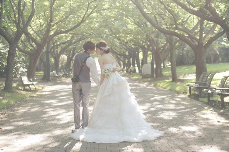 印象的な花嫁姿に仕上げたい! フォトウェディングで人気のドレスは?