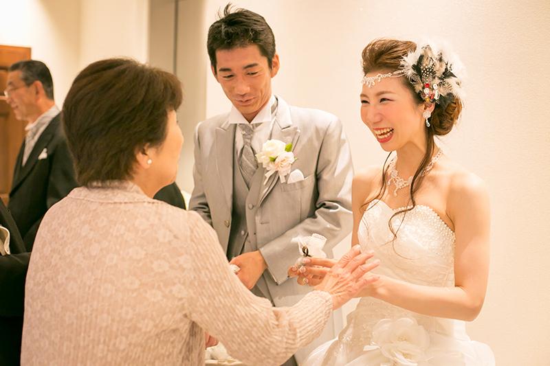 最高のアイテムを選びたい! 結婚式で両親に贈りたいプレゼント5選
