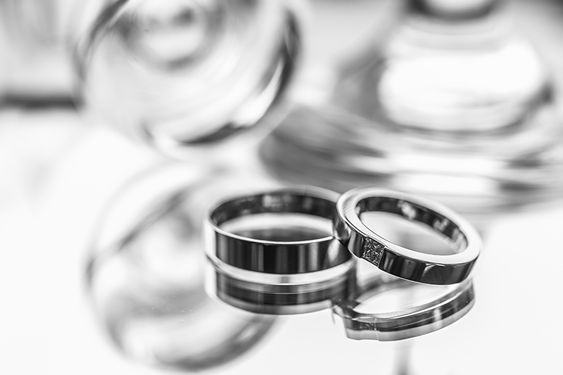 結婚式の前撮り撮影、結婚指輪は着ける? 着けない?